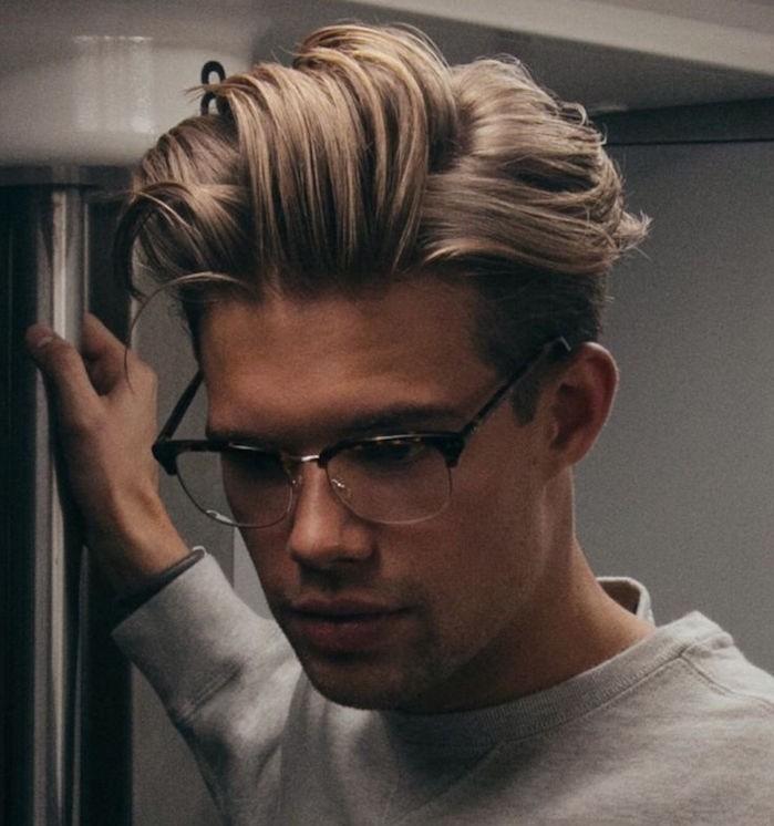 coupe de cheveux homme tendance mi long avec épaisseur