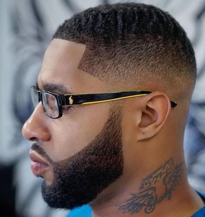 coupe de cheveux homme court afro dégradé