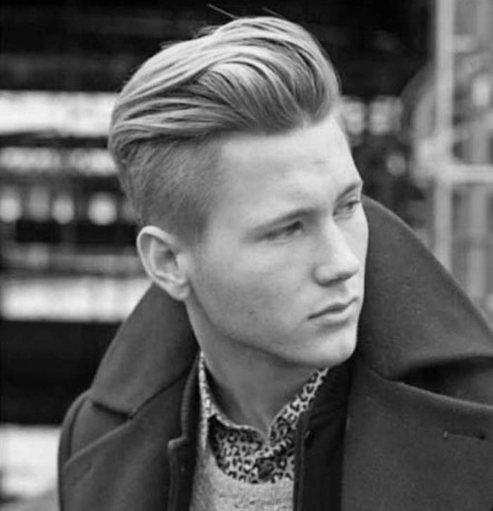 coupe pompadour hipster homme blond avec coté courts