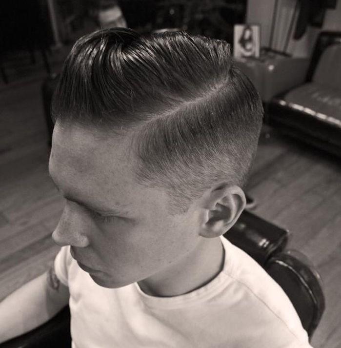 coiffure années 50 style coupe pompadour retro hipster