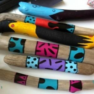 Créations en bois flotté peint - apportez de la couleur à votre décor!