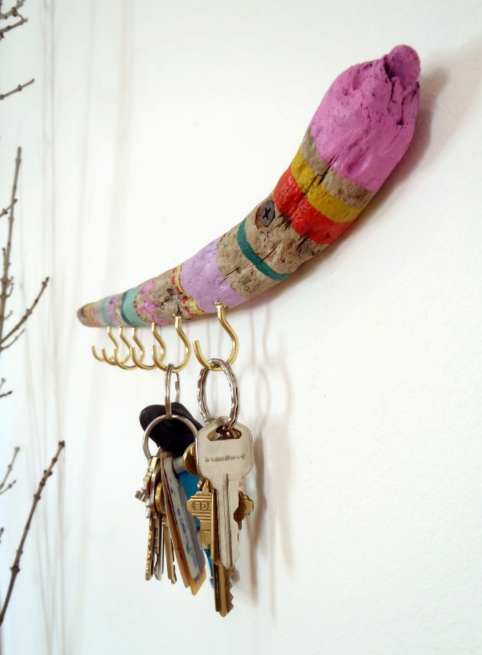 déco bois flotté, port clefs en plusieurs couleurs