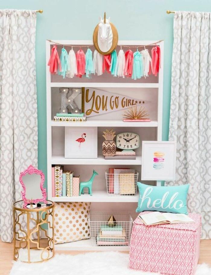 déco-chambre-ado-fille-couleurs-pastel-tapis-blanc