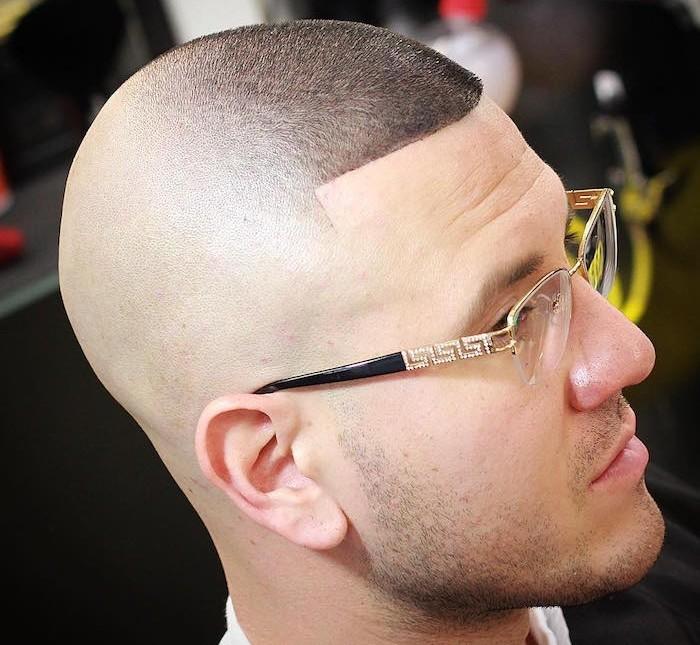 idée coiffure calvitie raser à blanc dégradé inversé