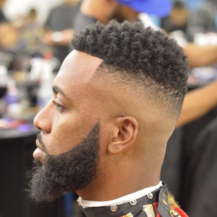 coiffure homme noir degrade sur les cotes