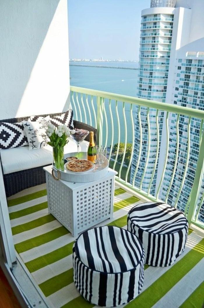 amnager son petit balcon comment am nager un petit balcon amenager son balcon pas cher une dco. Black Bedroom Furniture Sets. Home Design Ideas