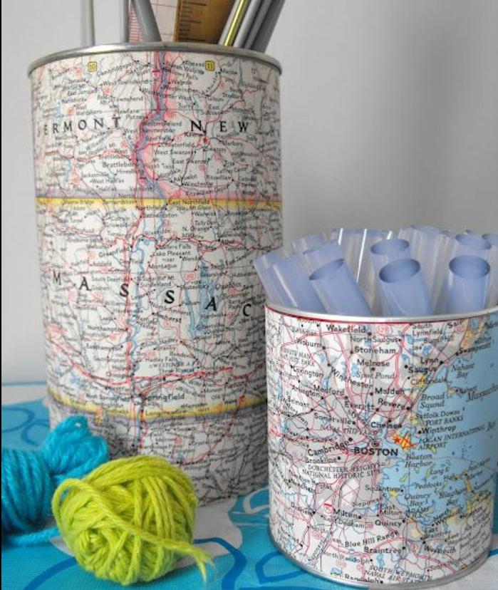 deco-boite-conserve-décorée-de-carte-géographique-idée-comment-fabriquer-un-pot-à-crayon-soi-meme