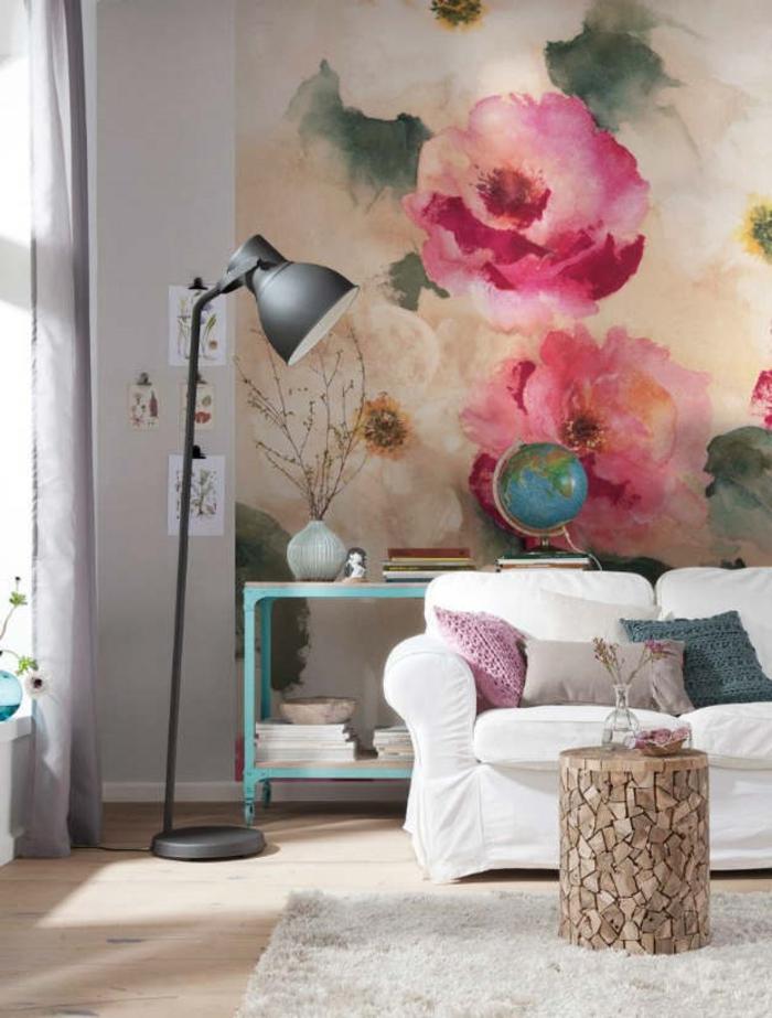 comment décorer son salon, rideaux longs, canapé blanc, lampe noire, globe, fleurs sechées