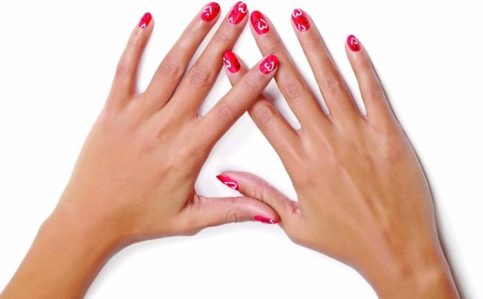 deco-ongle-saint-valentin-manucure-rouge-coeurs-blancs-vernis
