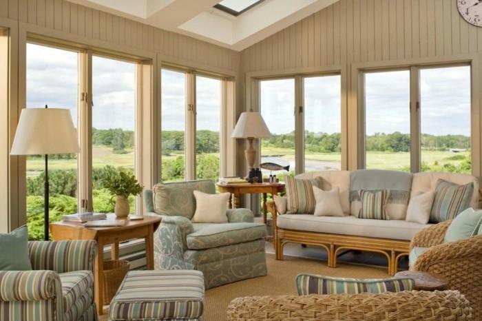 feng shui facile, tapis beige, murs en bois, panier en paille, paysage nature, lampes blanches