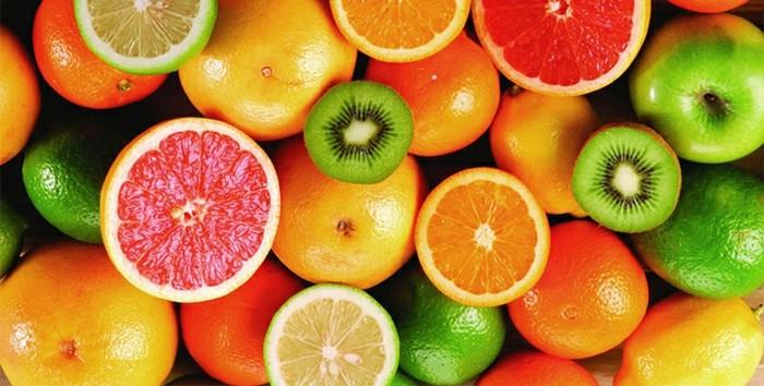 aliments riches en vitaime C, les citrus, kiwi, orange pamplemousse, citron, idée aliments à consommer pour lutter contre la carence en fer