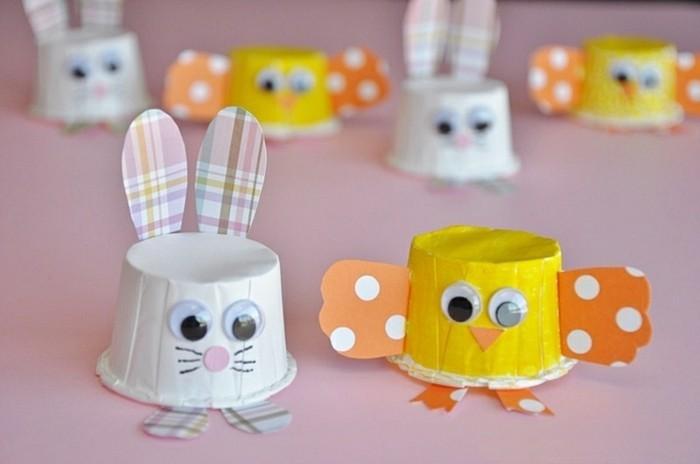 bricolage de paques, des poussins et des lapins faits à partir de moules customisés, exemple activité créative de printemps diy enfants matenrelle