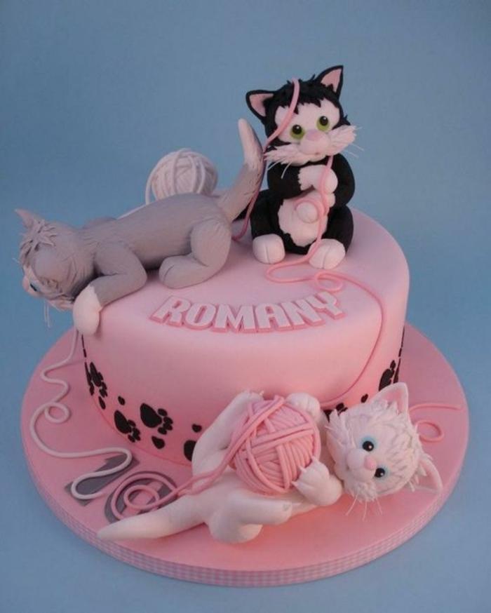 design-créatif-gateaux-anniversaire-original-chatons-mignons