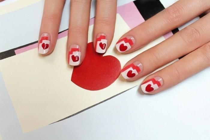 dessin-sur-ongle-manucure-saint-valentin-deco-en-rouge-et-rose