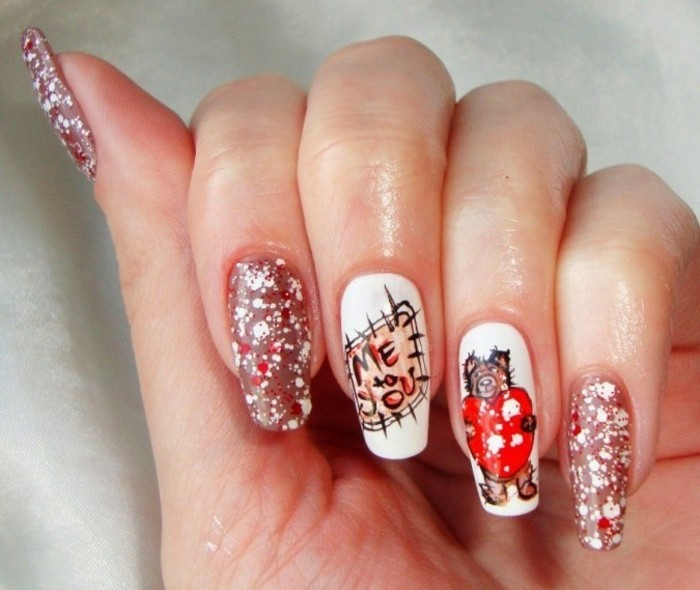 dessin-sur-ongle-manucure-saint-valentin-ours-coeurs-rouge-vernis-blanc