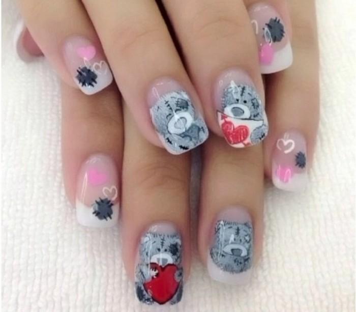 dessin-sur-ongle-vernis-transparent-dessins-ours-coeurs-rouge-gris