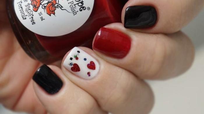 dessin-tres-facile-a-faire-coeurs-rouges-vernis-noir-rouge-et-blanc