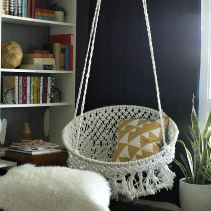 macramé technique, chaise suspendue, bibliothèque à livre, mur noir, diy macramé