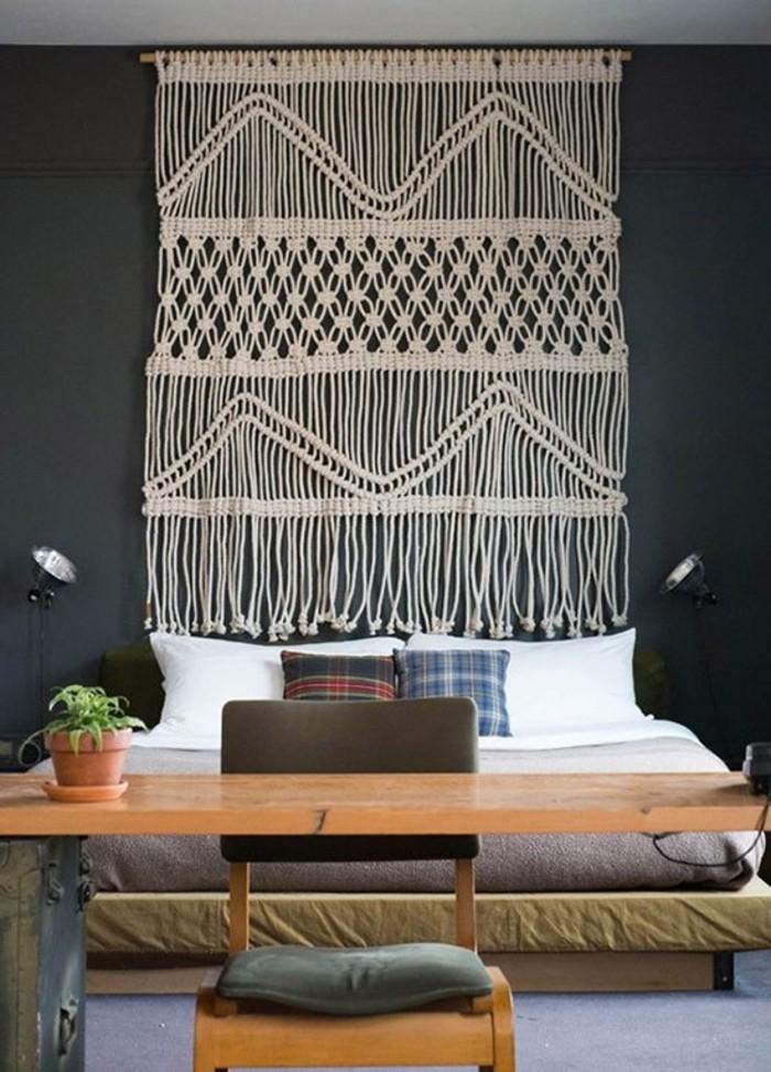 macramé technique, chaise en bois, teinture murale, coussins décoratifs, diy macramé
