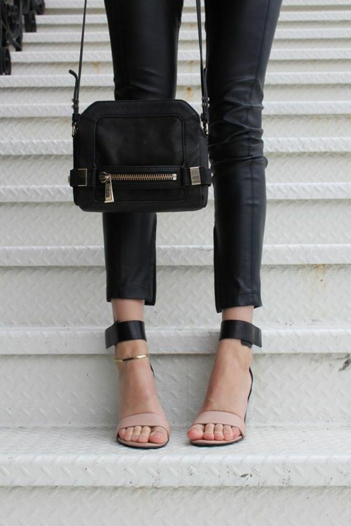 escarpins-bride-de-cheville-legging-en-cuir