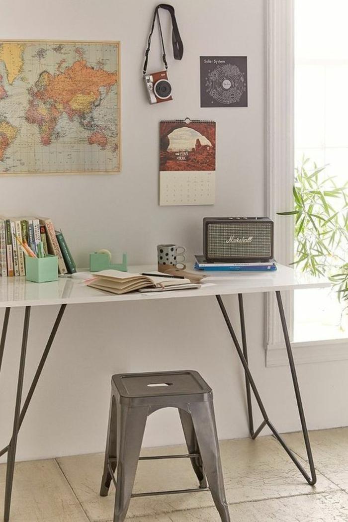 espace-bureau-voyage-déco-vintage-chambre-d'ado-créative