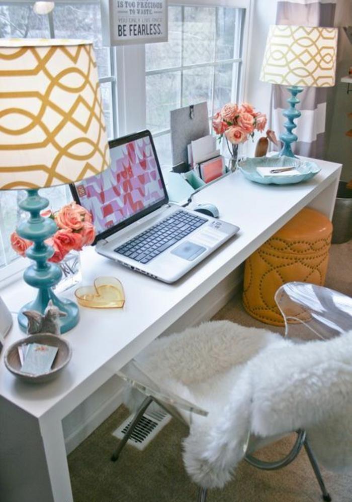 espace-créatif-bureau-blanc-chambre-ado-fille