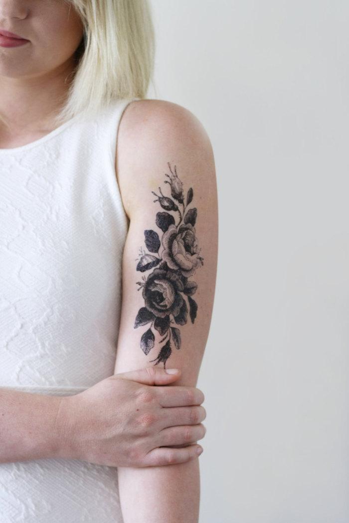 faux tatouage femme bras fleurs temporaire dessin ephemere