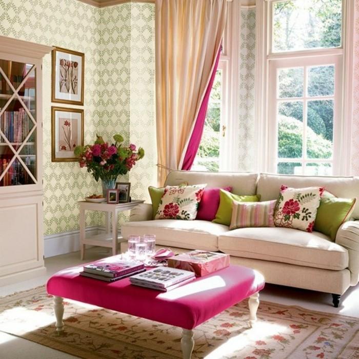 feng shui couleurs, table rose, murs en papier peint vert, bibliothèque pastel