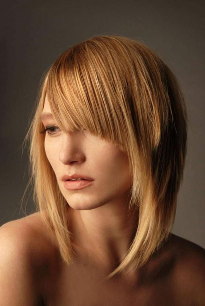 frange asymétrique, cheveux blonds, frange de côté lissée