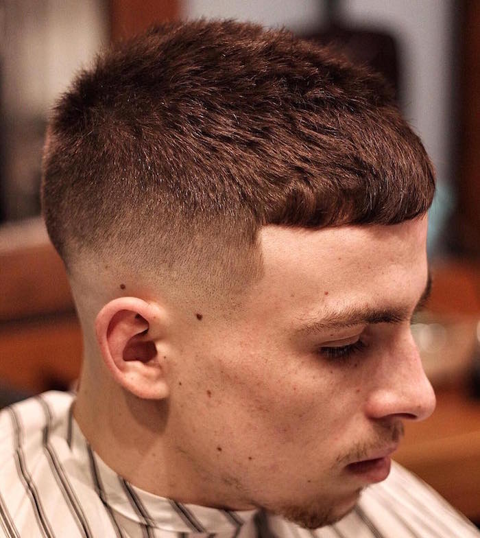 coiffure ado garçon coupe homme rasé coté fondu