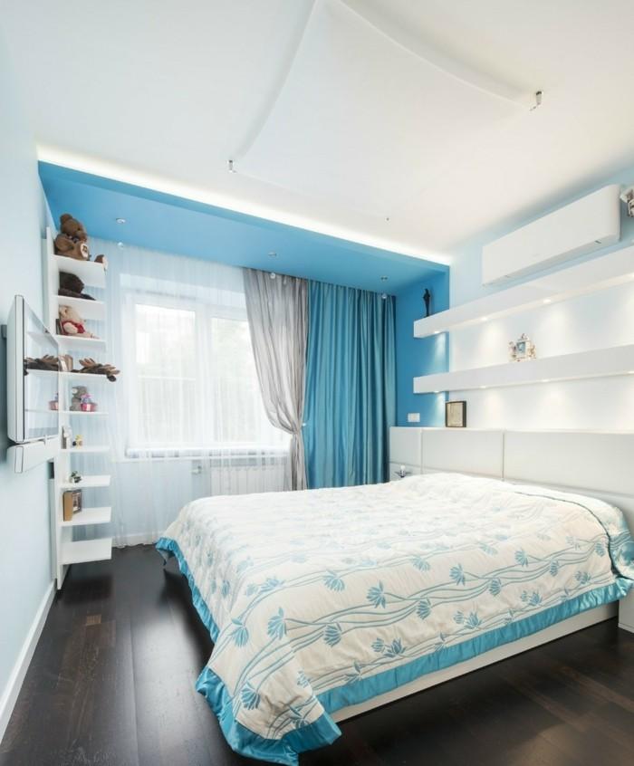 chambre turquoise, étagère murale, plafond suspendu, rideaux turquoises, éclairage led