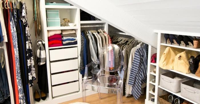meuble sous comble, penderie, placards et tiroirs, idée comemnt organiser ses vêtements et accessoires