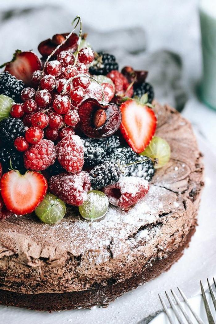 idée-gateau-originaux-gâteau-d-anniversaire-fruits