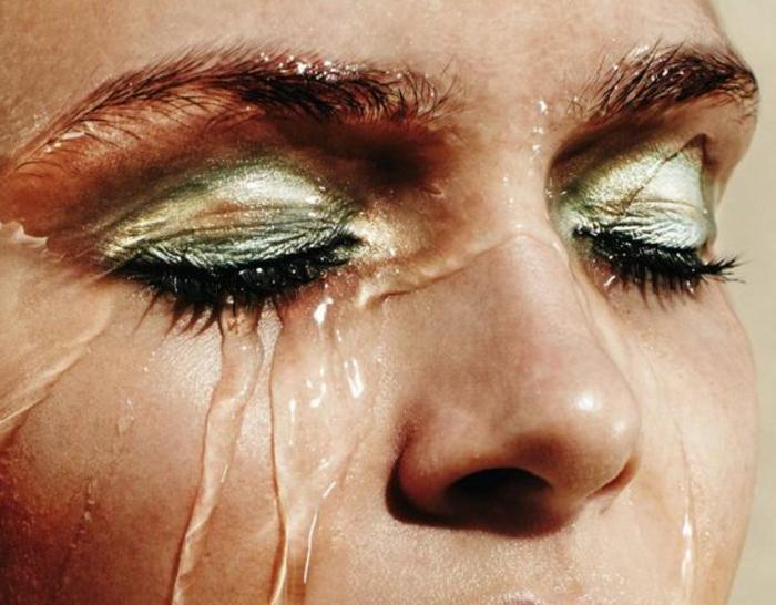 idée-maquillage-or-et-vert-maquillage-original