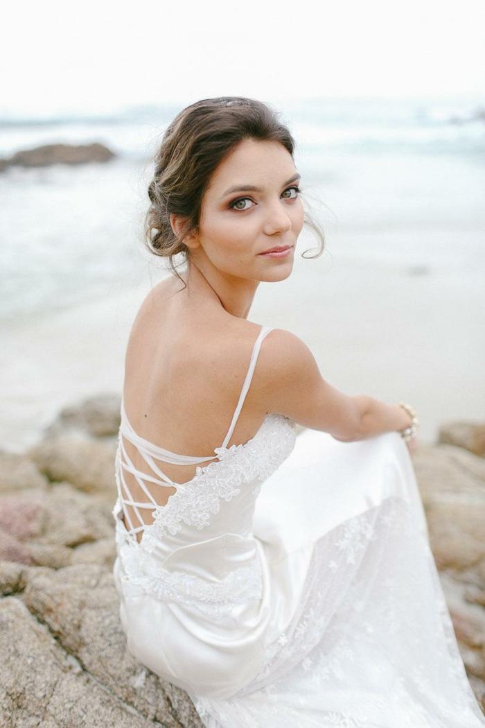 idée-quelle-robe-choisir-les-robes-de-mariée-pas-cher-stripes