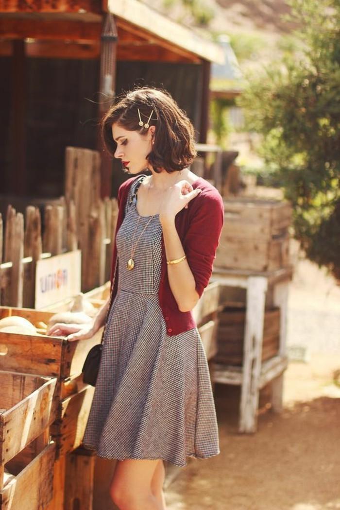 idée-vintage-robe-blanche-décontractée-look-chic-femme-gillet