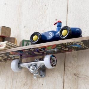 Étagère skateboard – un recyclage qui roule