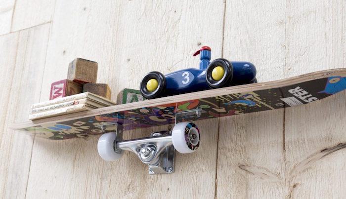 idée fabriquer étagere avec planche skate étagères murales diy