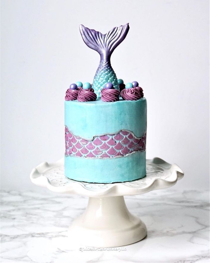 modele de gateau theme fond marin et sirène, fault line cake et motif sirene submergée dans de l eau