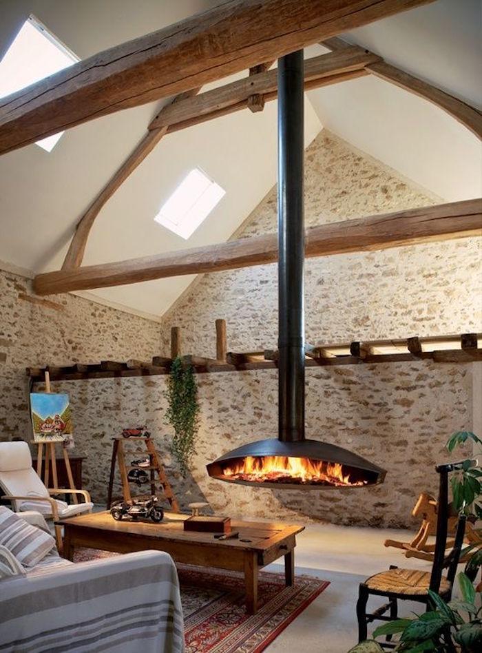 insert cheminée design foyer ouvert suspendu feu bois interieur decoration moderne