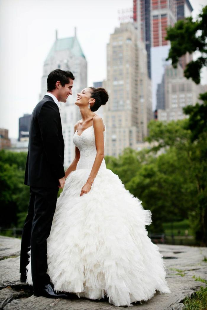 inspiration-robe-sirene-mariage-robe-de-marié-bustier-couple-new-yorkais