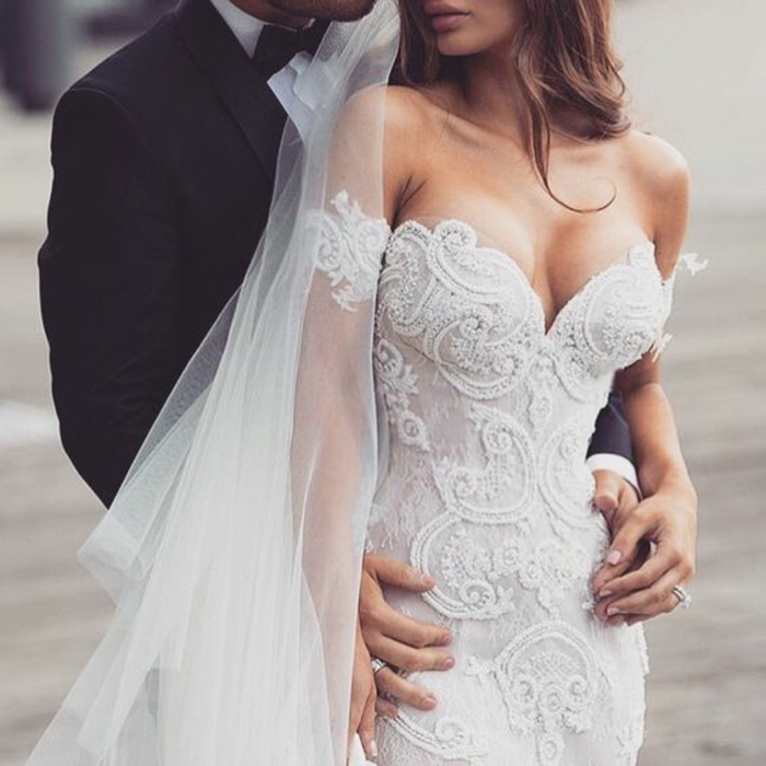 jolie-robe-de-mariee-dentelle-robe-mariée-princesse-bustier-magnifique