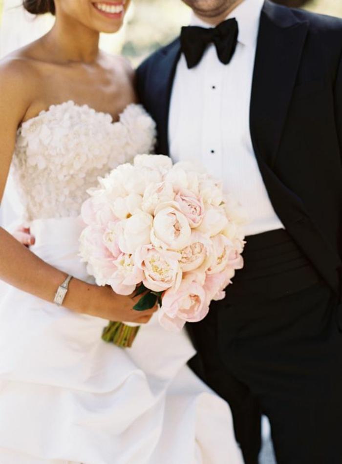 jolie-robe-de-mariee-dentelle-robe-mariée-princesse-jolies-detailles