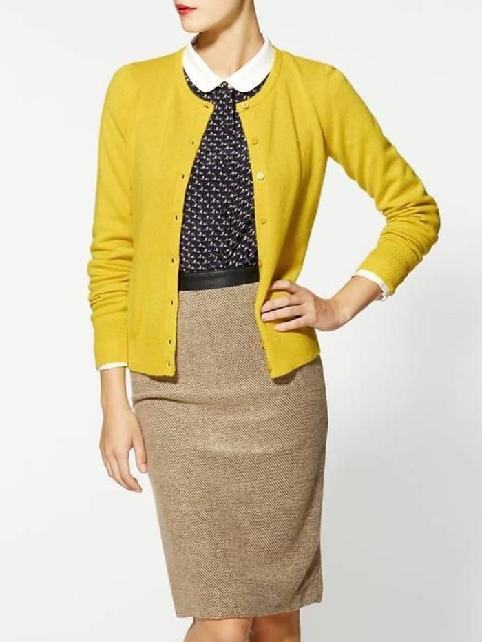 jupe-crayon-en-laine-gilet-jaune-blouse-col-claudine-élégante