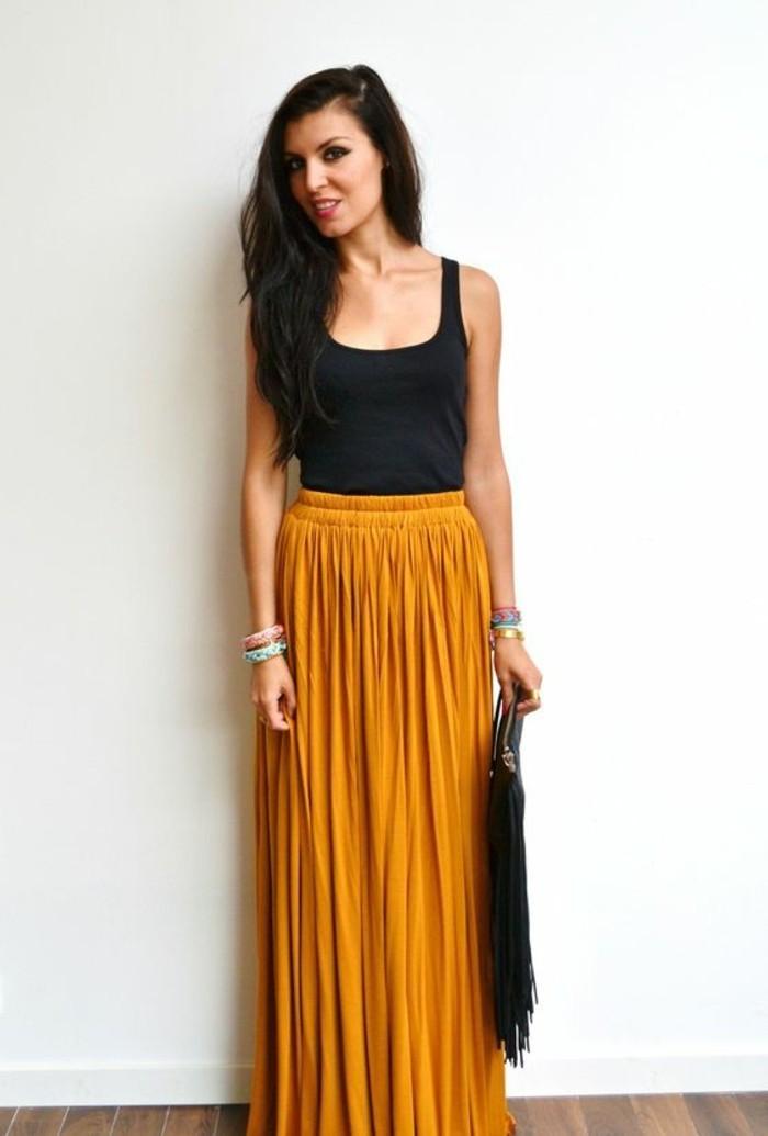 jupe longue taille haute moutarde et plissée comme des rayons de soleil
