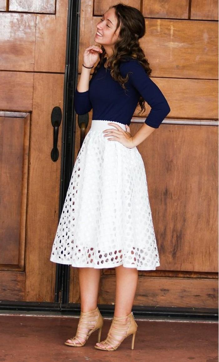 92a508c294ae jupe taille haut en blanc longueur sous les genoux style rétro