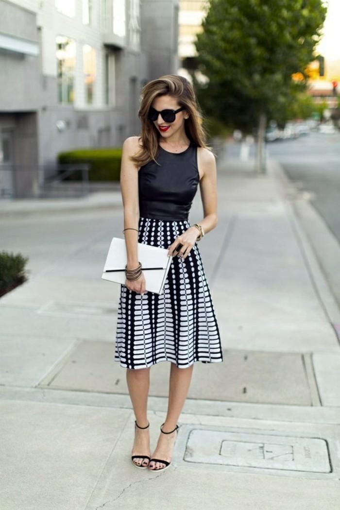 jupe évasée taille haute blanc et noir dame chic