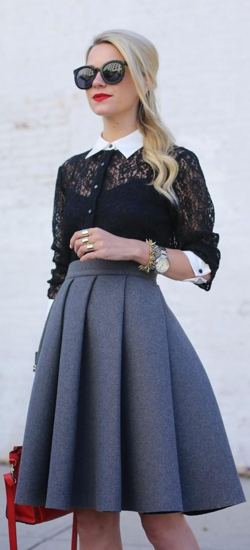 chemise en dentelle à col blanc rentrée dans une jupe corolle pour une silhouette femme harmonieuse