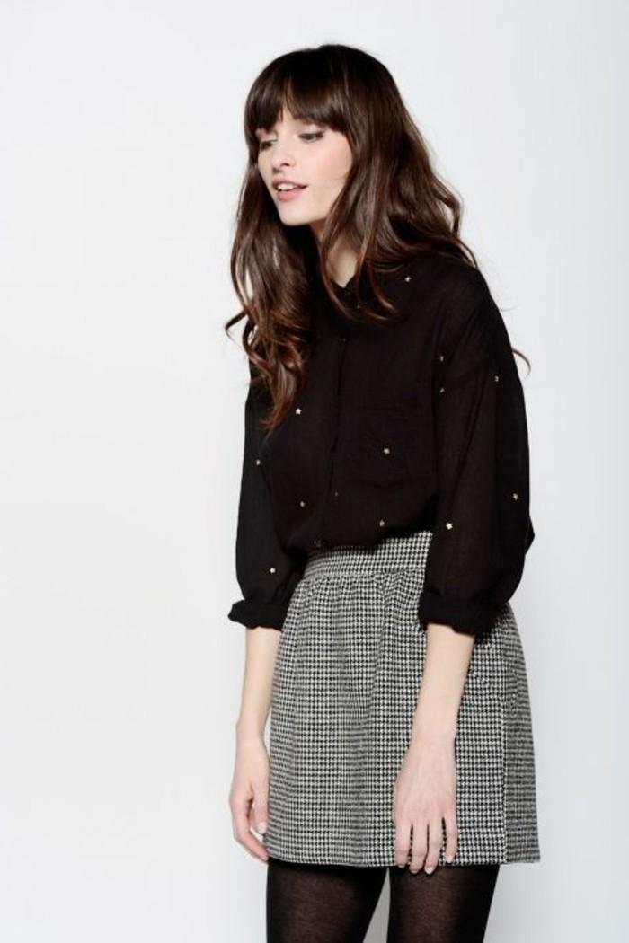 jupe taille haute courte à carreaux noirs et blancs