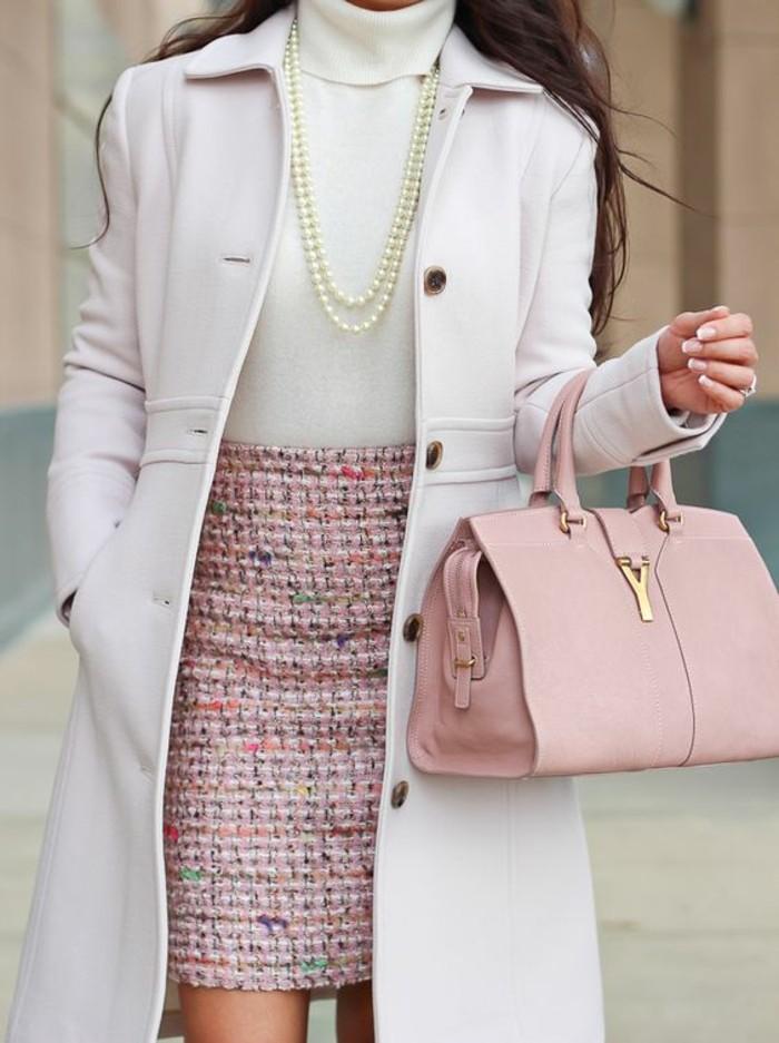 jupes taille haute en rose pastel assortie au sac